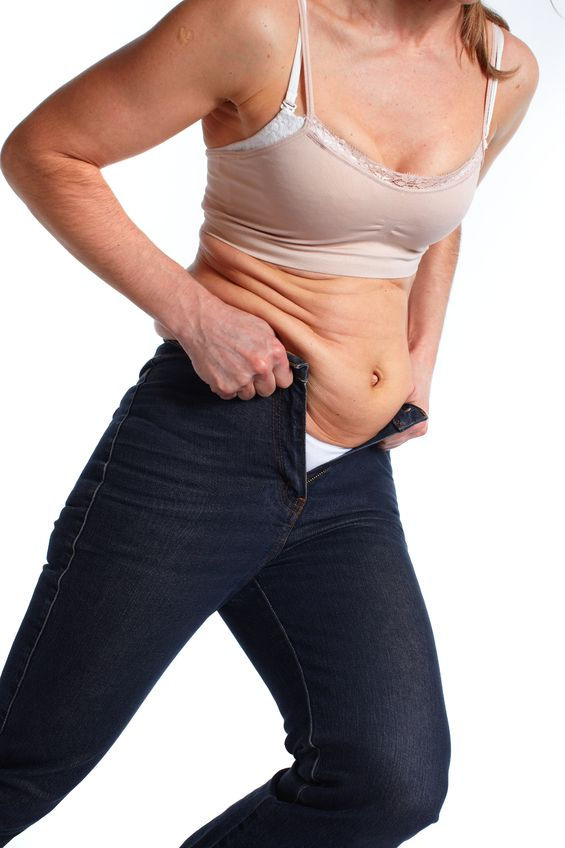 40代女性は体型に関係なく下腹のポッコリに悩まされるのはなぜ?