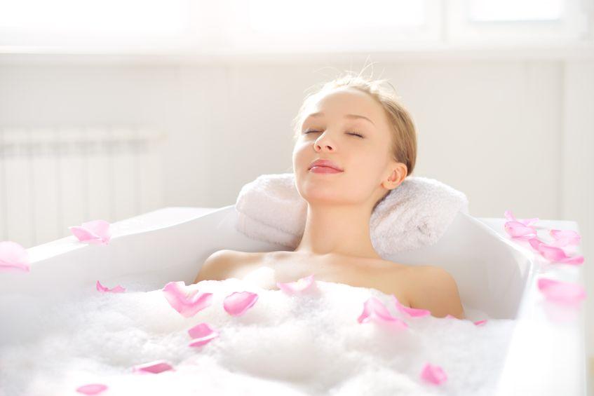 臭い対策には朝入浴と夜入浴はどちらがいいの?
